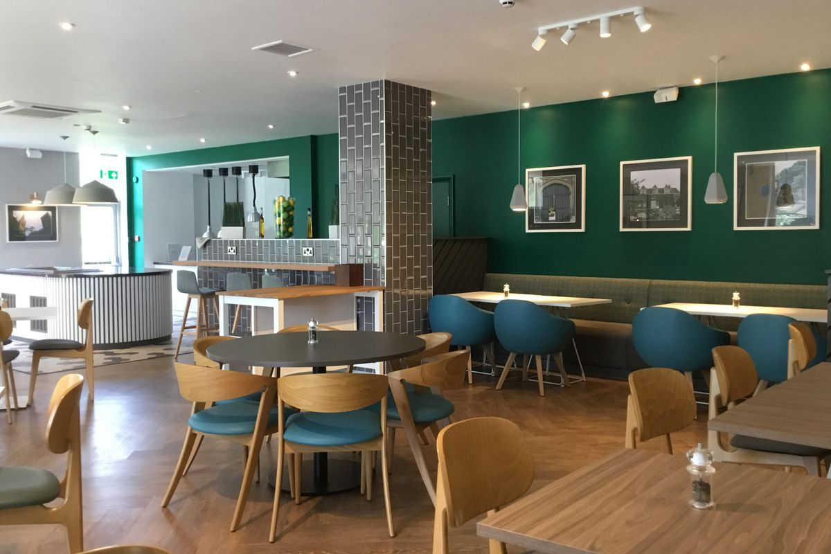 Holiday Inn Rugby open lobby
